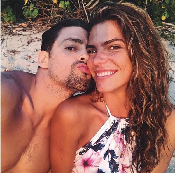 Mariana Goldfarb e Cauã (Foto: Reprodução Instagram)