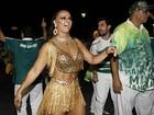 Viviane Araújo cai no samba em ensaio técnico no Anhembi, em SP
