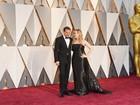 Oscar 2016: Leonardo DiCaprio posa com Kate Winslet no tapete vermelho
