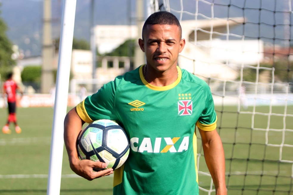História de Luizinho é usada como exemplo para garotos da base do Vasco (Foto: Paulo Fernandes / Vasco)