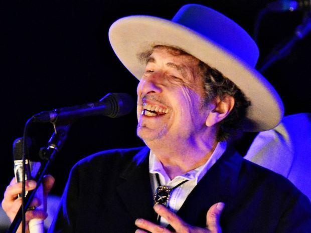 Bob Dylan durante show no Hop Festival em Paddock Wood, na Inglaterra, em junho de 2012 (Foto: Ki Price/Reuters/Arquivo)