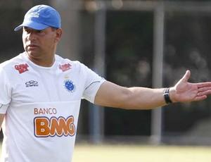 Celso Roth, técnico do Cruzeiro (Foto: Washington Alves / Globoesporte.com)
