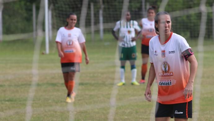 Karina Balestra final futebol feminino centro olímpico municipal Canoas (Foto: Beto Azambuja / GloboEsporte.com)