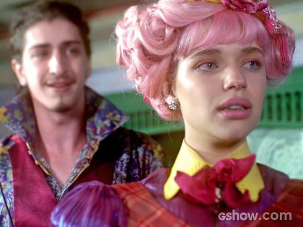 Ferdinando quer saber o que Juliana sente (Foto: Meu Pedacinho de Chão/TV Globo)