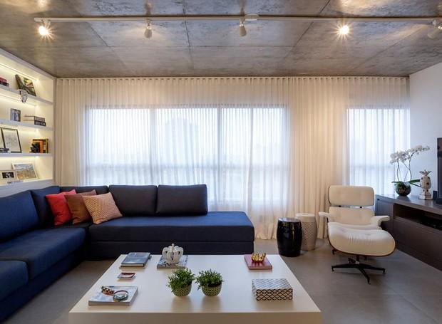 Apartamento integrado na medida e com muitos espelhos for Sala de estar estilo arabe