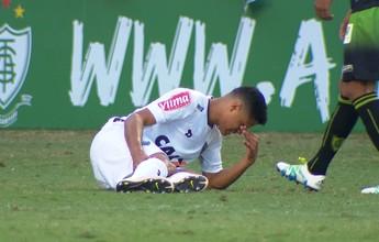 Exame não constata lesão em Douglas Santos, e lateral pode jogar na quarta