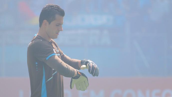 Marcelo Grohe treina na Arena (Foto: Beto Azambuja)