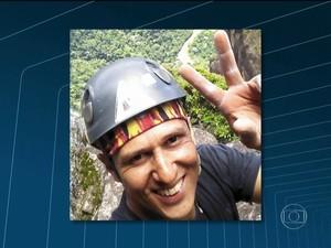 Alpinista morto (Foto: Reprodução/RJTV)