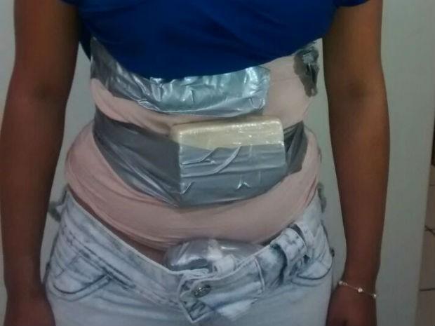 Passageira levaria drogas para João Pessoa (Foto: Polícia Rodoviária/Divulgação)