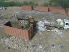 'Da escola para cá', diz jovem de 14 anos que trabalha em lixão irregular