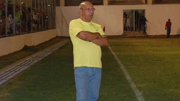Neto Maradona, treinador do Nacional de Patos (Foto: Lucas Barros / Globoesporte.com/pb)
