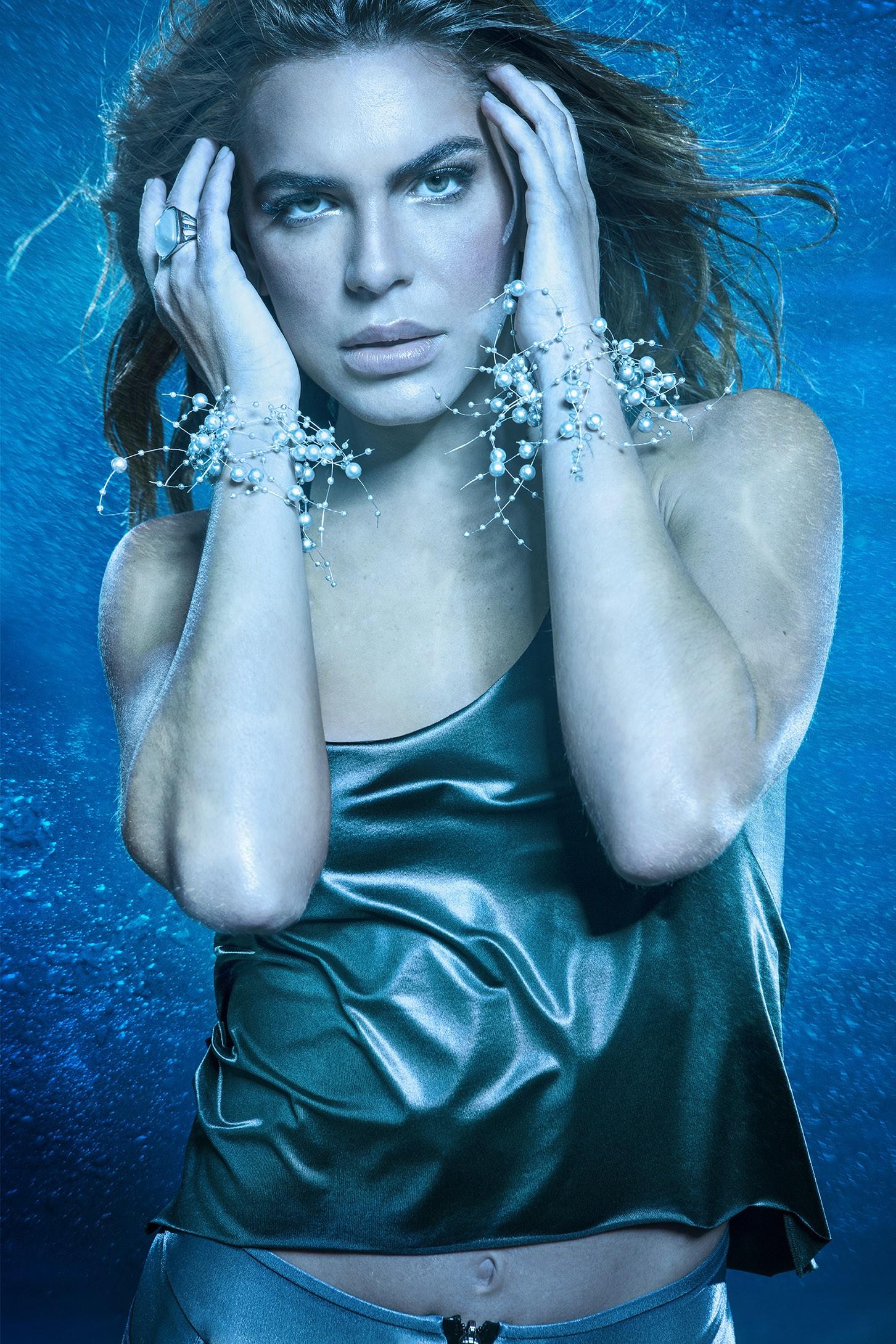 Mariana Goldfarb encarna sereia moderna em campanha de moda Fitness (Foto: Divulgação)