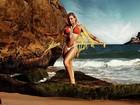 Jéssica Lopes exibe boa forma em campanha de moda praia