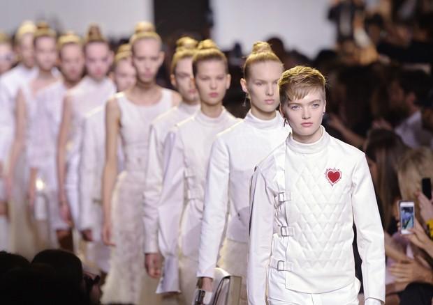 Amarrações afiveladas na Dior (Foto: Getty Images)