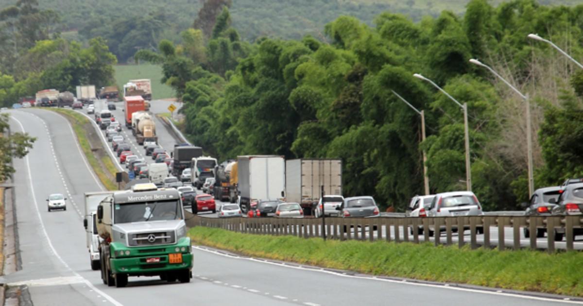 Saída para o Réveillon deve ser de congestionamento na Fernão Dias - Globo.com