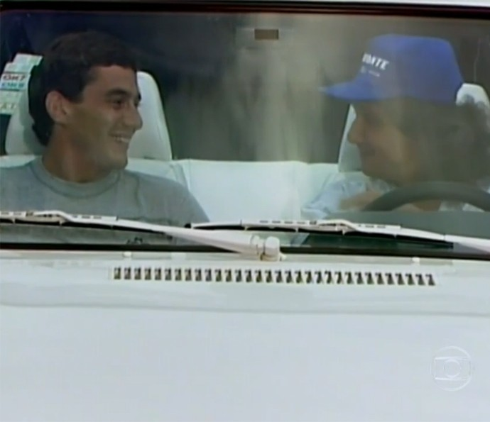 Ayrton Senna e Roberto Carlos (Foto: TV Globo)