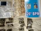 Homem é detido por vender drogas em salão de beleza em Petrópolis, RJ