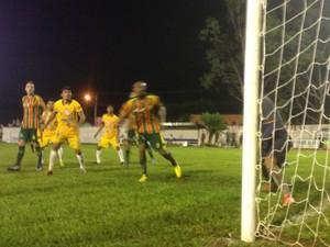Interporto empata com Sampaio Corrêa no primeiro jogo da Copa do Brasil (Foto: Vilma Nascimento/GloboEsporte.com)