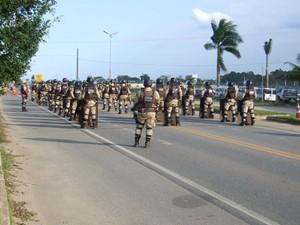 Protesto de índios na BR-101, na Bahia (Foto: Teixeira News)