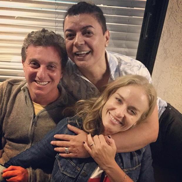 Luciano Huck, David Brazil e Angélica em festa no Rio (Foto: Instagram/ Reprodução)