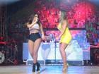 Nicole Bahls comemora aniversário no palco do Baile da Favorita com Anitta