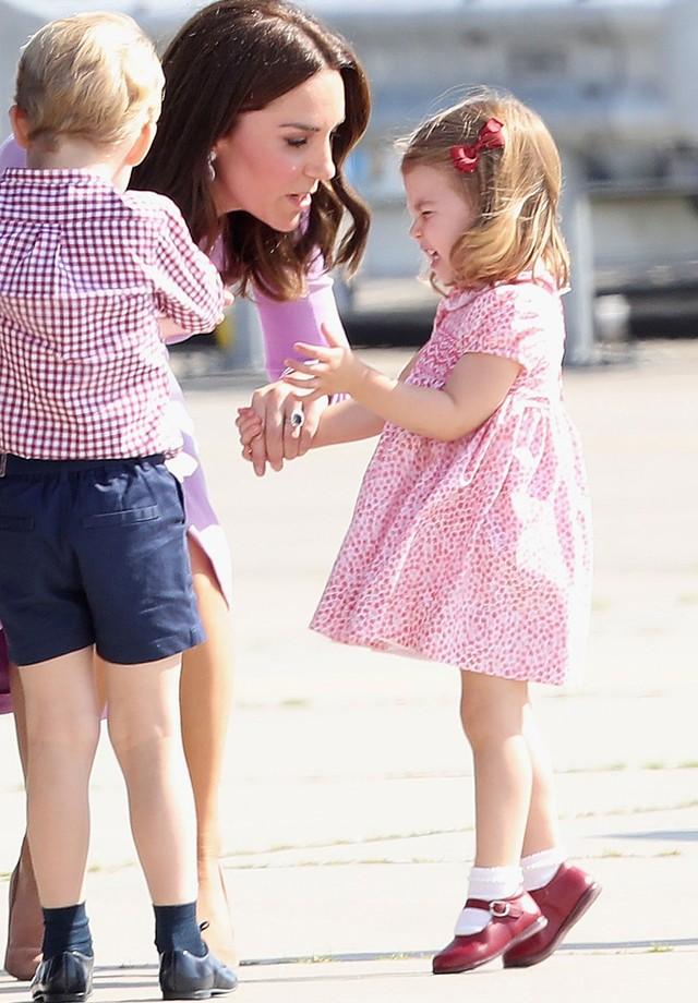 Princesa Charlotte ontem, em Londres (Foto: Getty Images)