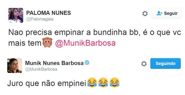Fã acusa Munik de empinar bumbum em foto, mas ela nega (Foto: Reprodução/Twitter)