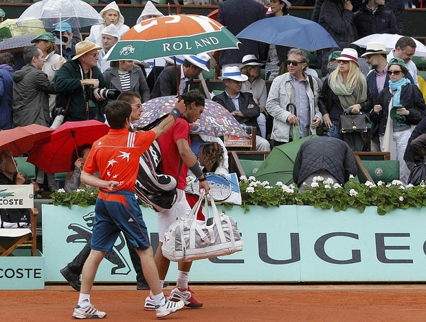 Rafael Nadal tênis Roland Garros final chuva (Foto: Reuters)