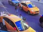 Táxi avança sobre grupo de torcedores em Moscou e deixa feridos