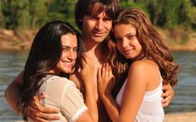 Manuela ou Estela? Quem é a sua favorita?