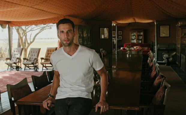 Pedro Andrade se hospeda em acampamento de luxo em Botsuana. Nada mal, no  mesmo? (Foto: Reproduo/GNT)