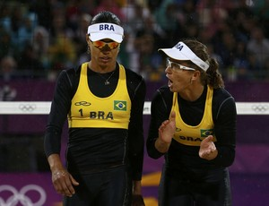 Juliana e Larissa Jogos de Londres (Foto: Suzanne Plunkett/Reuters)