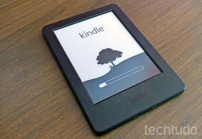 Kindle irá reiniciar automaticamente após comando do usuário (Foto: Elson de Souza/TechTudo)