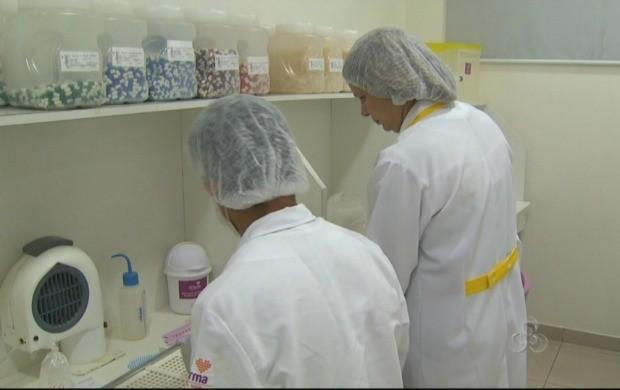 Eliana Souza gerencia há 26 anos uma farmácia em Boa Vista (Foto: Bom Dia Amazônia)