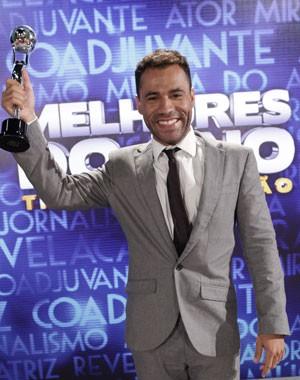 Rodrigo Santana festeja mesmo! (Foto: Domingão do Faustão/TV Globo)