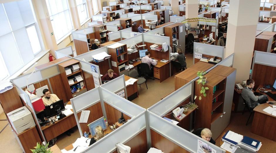 escritório; funcionários; empresa; trabalhadores; empregados; trabalho; (Foto: Pixabay)
