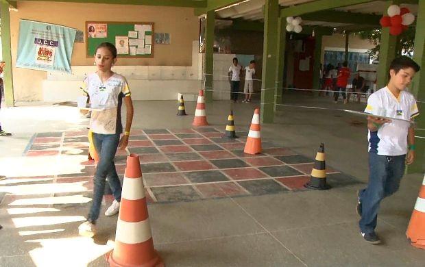 Alunos participam de gincana d ematemática em Ji-Paraná (Foto: Bom Dia Amazônia)