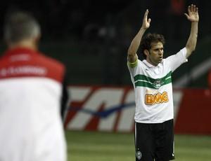 Lincoln gol Coritiba (Foto: Geraldo Bubniak / Ag. Estado)
