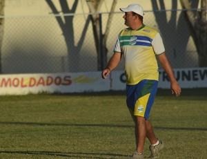 Elenilson Silva é o novo técnico do América (Foto: Felipe Martins/GLOBOESPORTE.COM)