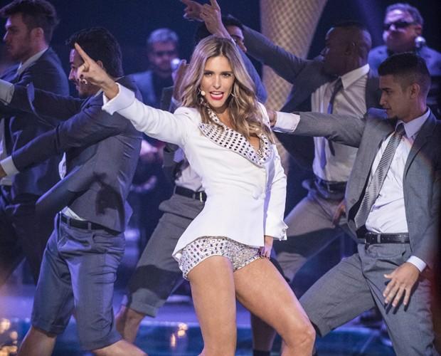 Fernanda Lima canta e dança no Amor & Sexo (Foto: Raphael Dias/Gshow)
