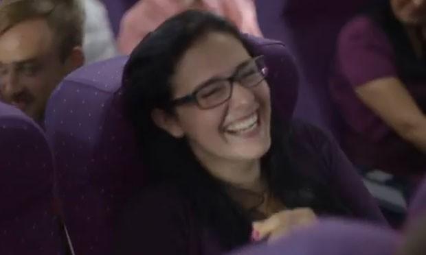 Alguns passageiros riram da situação. (Foto: Reprodução)