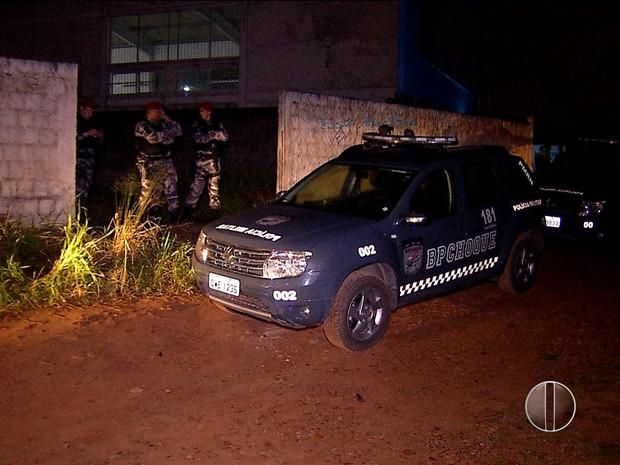 Houve troca de tiros entre PM e criminoso durante assalto a lavanderia (Foto: Reprodução/Inter TV Cabugi)