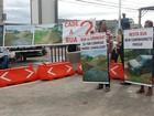 Moradores fazem protesto por asfalto durante liberação de obra em Cuiabá