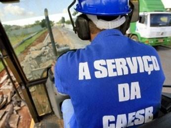 Servidor da Caesb (Foto: Agência Brasília/Divulgação)