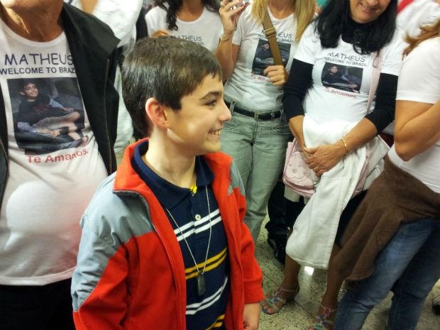 Matheus demonstrou alegria ao chegar em Vitória (Foto: Leandro Nossa / G1 ES)