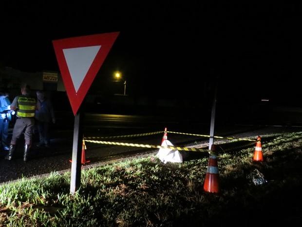 Homem foi atingido por caminhão quando caminhava na pista da Anhanguera em Pirassununga (Foto: Ademir Naressi/Arquivo Pessoal)
