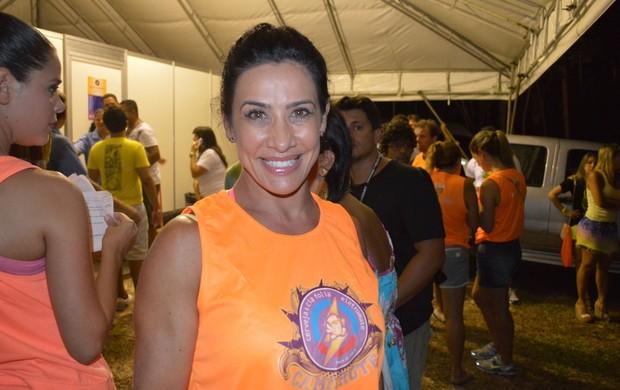 Sheila Carvalho confere show de Ivete (Foto: Felipe Souto Maior/AgNews)