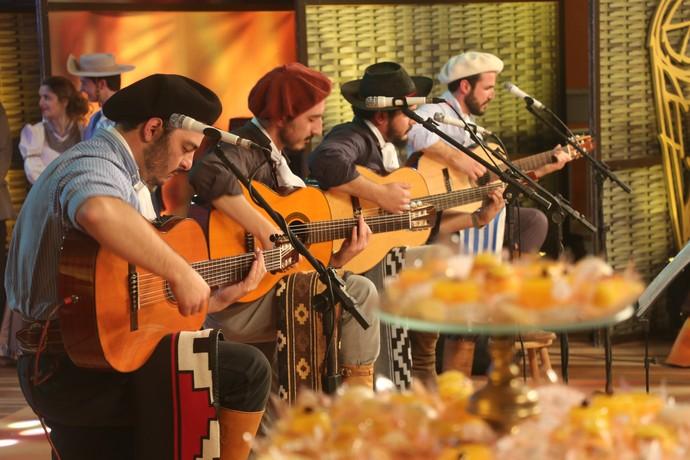 Quarteto Moldura Galpão Crioulo Pelotas (Foto: Gabriela Haas/RBS TV)