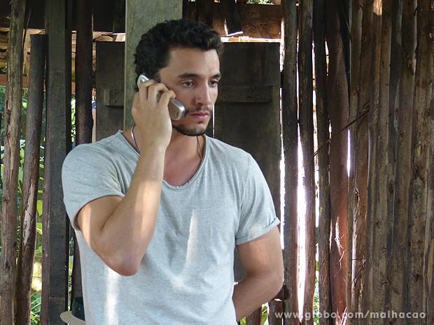 Sal dá prazo até amanhã pra receber a grana do resgate (Foto: Malhação/TV Globo)