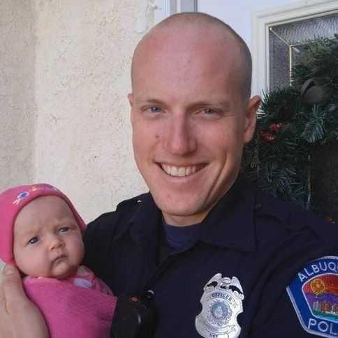 Policial americano adota bebê de usuária de drogas (Foto: thinkstock)